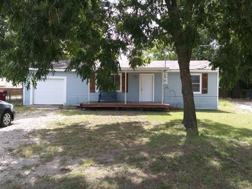 Photo of 703 S State Highway 78, Farmersville, TX 75442 (MLS # 14639297)