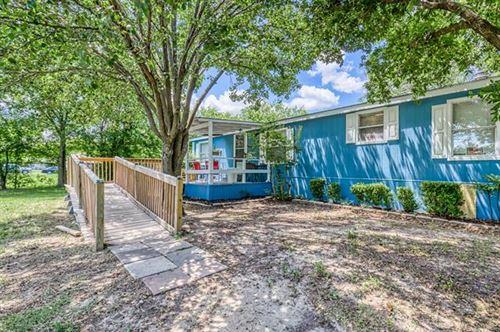 Photo of 110 E Laura Avenue, Quinlan, TX 75474 (MLS # 14364301)