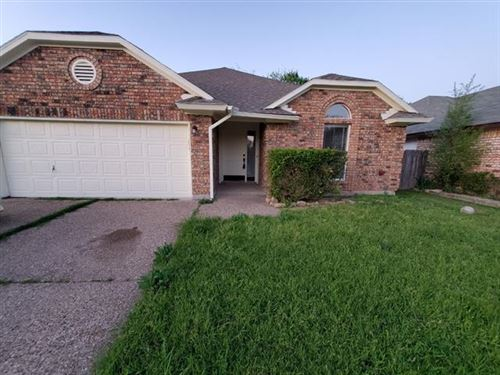 Photo of 4937 Highbank Drive, Arlington, TX 76018 (MLS # 14552307)