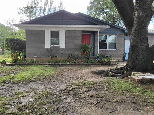 Photo of 807 Harbor Drive, Lewisville, TX 75057 (MLS # 14686307)