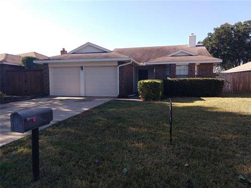 Photo of 204 Blueleaf Drive, Arlington, TX 76018 (MLS # 14688307)