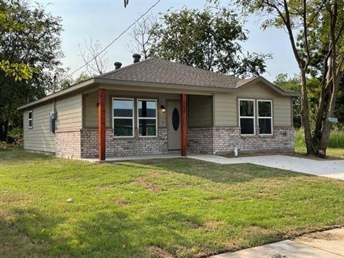 Photo of 2012 OAK Street, Greenville, TX 75401 (MLS # 14669308)