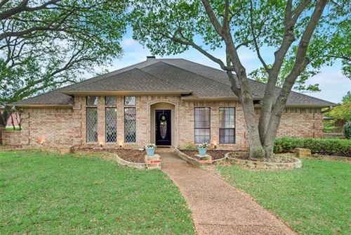 Photo of 1600 Silverleaf Drive, Carrollton, TX 75007 (MLS # 14165310)