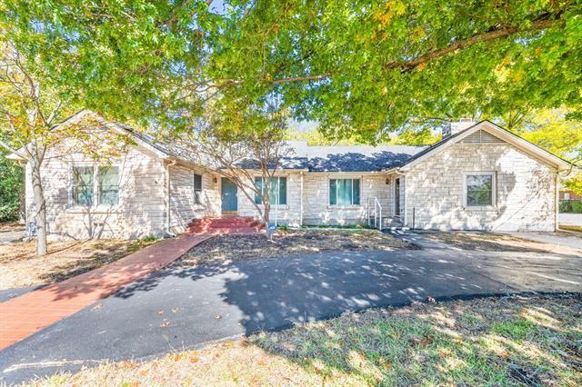 408 W Walnut, Decatur, TX 76234 - #: 14464311