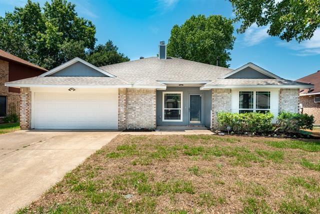 4937 Oak Hollow Drive, Grand Prairie, TX 75052 - #: 14404327