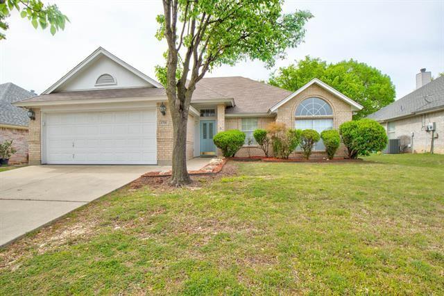 5700 Straightaway Drive, Haltom City, TX 76117 - #: 14552327