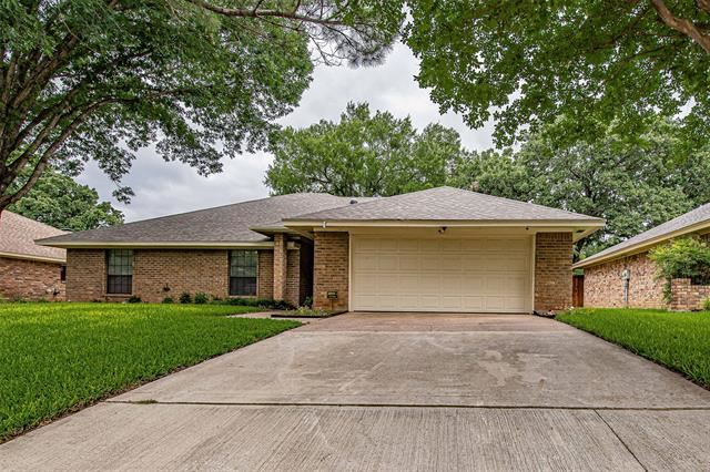 1227 Brookfield Lane, Mansfield, TX 76063 - #: 14594328