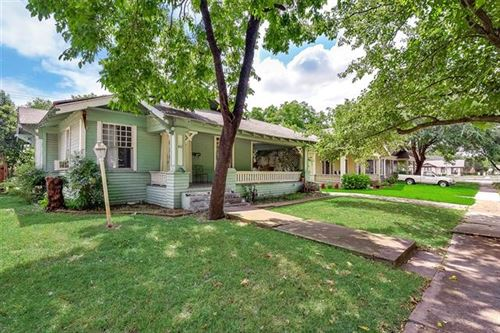 Photo of 410 S Willomet Avenue, Dallas, TX 75208 (MLS # 14274333)