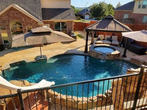 Photo of 12320 Woodland Springs Drive, Fort Worth, TX 76244 (MLS # 14235335)