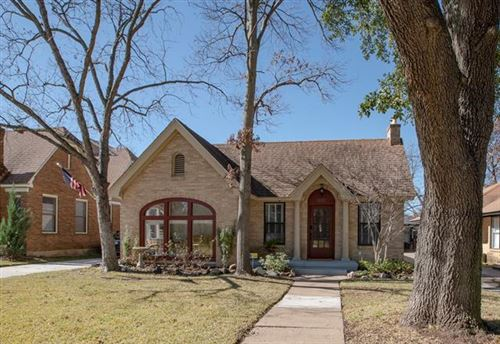 Photo of 1031 N Windomere Avenue, Dallas, TX 75208 (MLS # 14261335)
