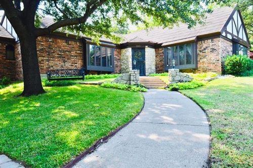Photo of 240 Timberlake Drive, Azle, TX 76020 (MLS # 14442336)