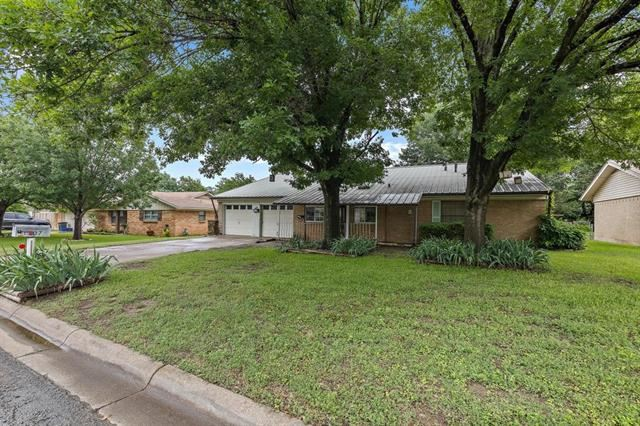 1207 Johnson Street, Benbrook, TX 76126 - #: 14655339
