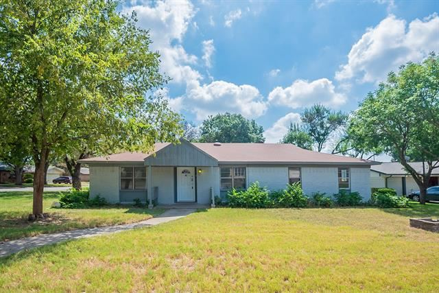5901 Randell Avenue, Edgecliff Village, TX 76134 - #: 14661339