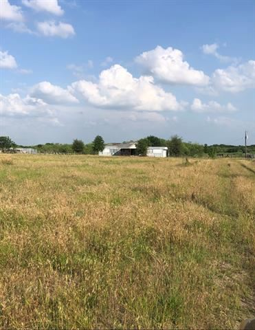 Photo of 441 Mccrady Road, Ennis, TX 75119 (MLS # 14457343)