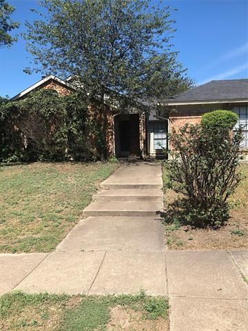 Photo of 430 Dollins Street, Cedar Hill, TX 75104 (MLS # 14687343)