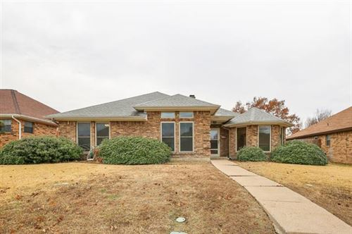 Photo of 2112 Whitehurst Lane, Carrollton, TX 75007 (MLS # 14237348)