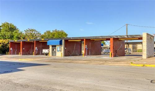 Photo of 724 W Pearl Street, Granbury, TX 76048 (MLS # 14558348)