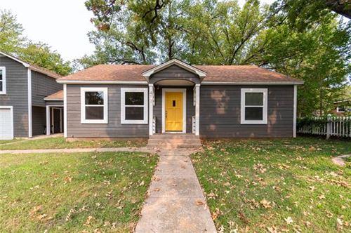 Photo of 417 W Sears Street, Denison, TX 75020 (MLS # 14445349)