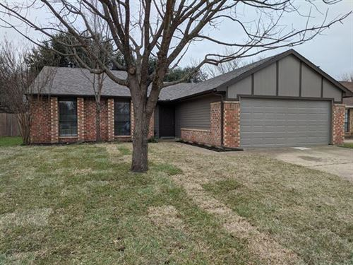 Photo of 4724 Scots Briar Lane, Fort Worth, TX 76137 (MLS # 14257350)