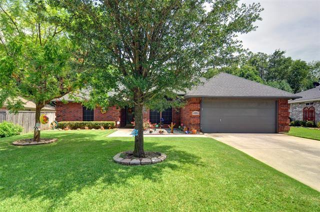128 Clover Lane, Burleson, TX 76028 - #: 14625352