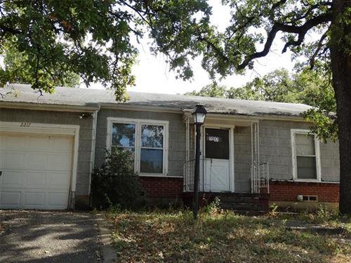 Photo of 2217 Sturges Drive, Fort Worth, TX 76112 (MLS # 14457356)