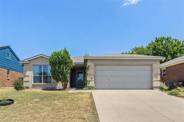 2705 Briscoe Drive, Fort Worth, TX 76108 - #: 14410358