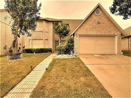 Photo of 324 Kissimmee Drive, Arlington, TX 76002 (MLS # 14457359)