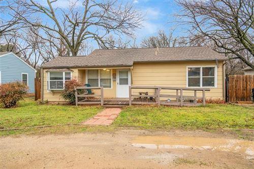 Photo of 1814 Scripture Street, Denton, TX 76201 (MLS # 14524363)