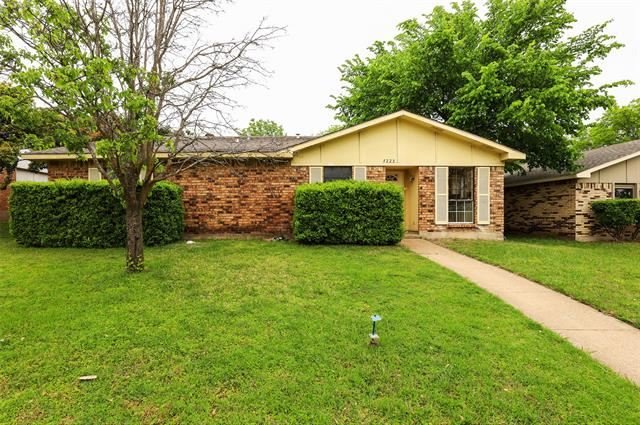 7223 Chinaberry Road, Dallas, TX 75249 - #: 14557368