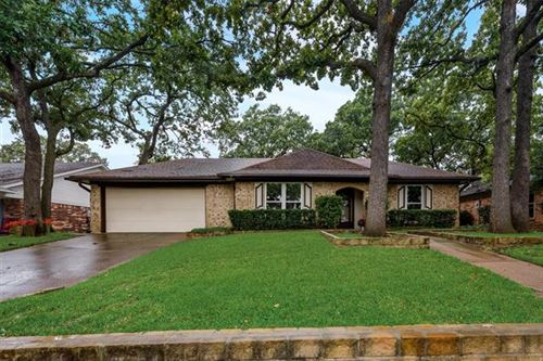 Photo of 2911 Tangle Oaks Court, Bedford, TX 76021 (MLS # 14437373)