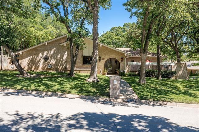 656 Springhill Drive, Hurst, TX 76054 - #: 14571374