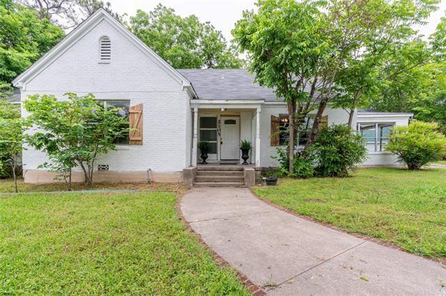 2105 STONEWALL, Greenville, TX 75401 - #: 14511384