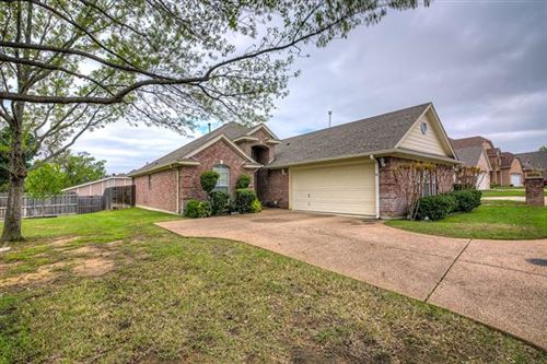 Photo of 1221 Orchard Breeze, Bedford, TX 76021 (MLS # 14309385)