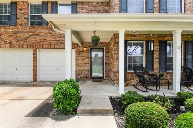 2887 Park  Place Drive, Grand Prairie, TX 75052 - #: 14380385