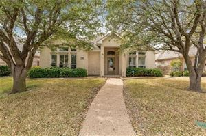 Photo of 7108 White Tail Trail, Fort Worth, TX 76132 (MLS # 14047386)