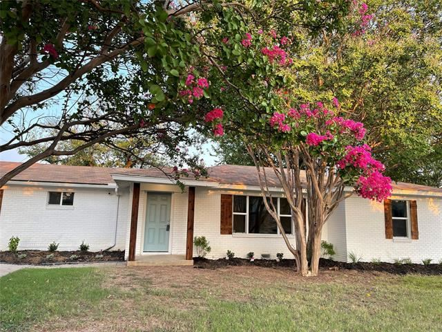 832 Central Drive, Bedford, TX 76022 - MLS#: 14637386
