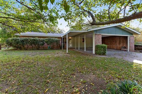 Photo of 1105 W Water Street, Weatherford, TX 76086 (MLS # 14457387)