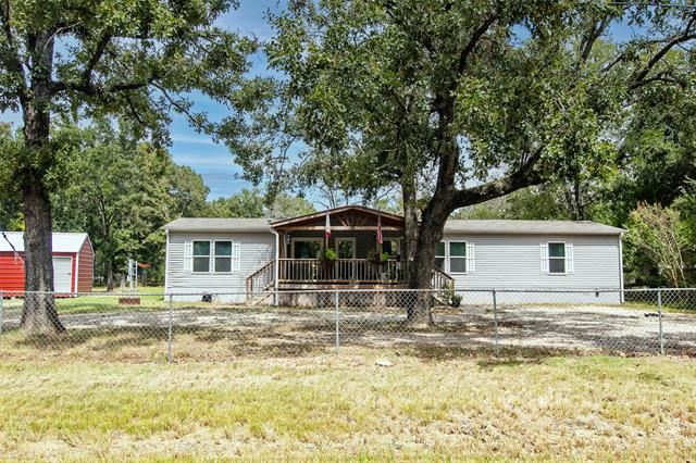 304 E Golden Oaks Drive, Mabank, TX 75156 - MLS#: 14670387