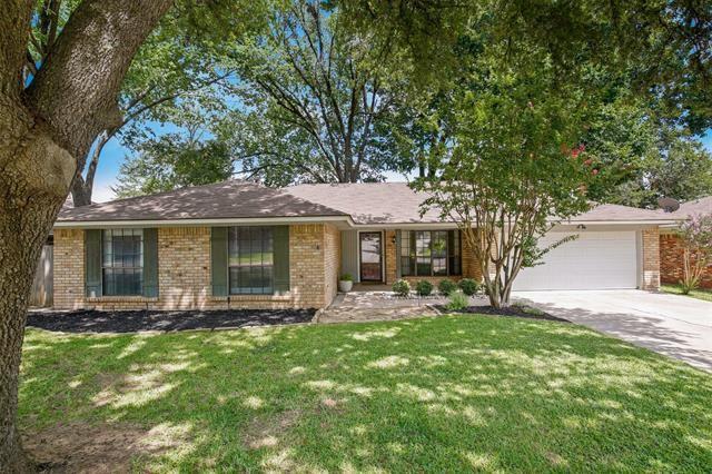 5001 Trails Edge Drive, Arlington, TX 76017 - #: 14624388