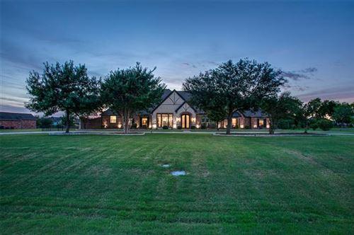 Photo of 215 Robin Ridge, Sunnyvale, TX 75182 (MLS # 14676391)