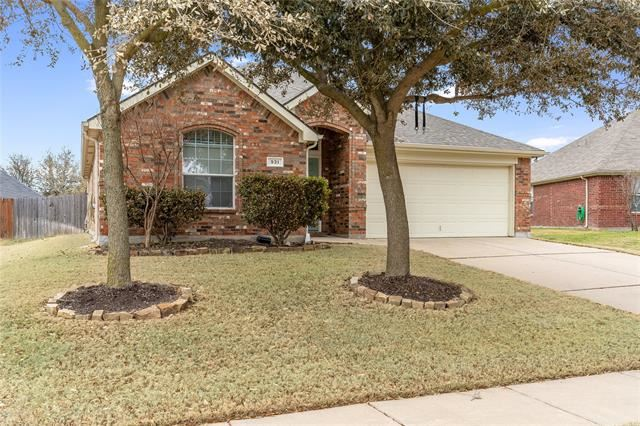 931 Hunter Lane, Burleson, TX 76028 - #: 14607393