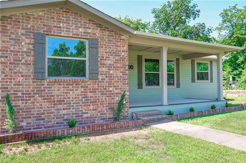 Photo of 800 W Bond Street, Denison, TX 75020 (MLS # 14308394)