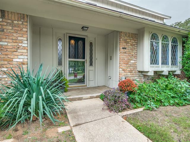 2711 Westridge Drive, Arlington, TX 76012 - #: 14451397