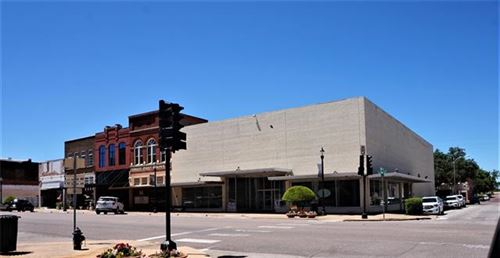 Photo of 301 W Main Street, Denison, TX 75020 (MLS # 14640400)