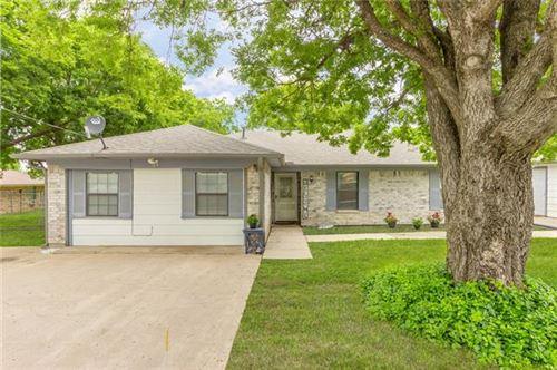 Photo of 105 Kingston Street, Celeste, TX 75423 (MLS # 14597405)