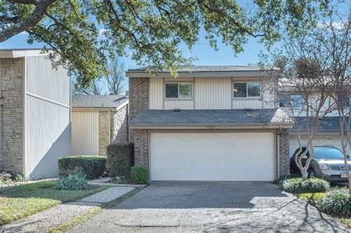 Photo of 2932 Woodcroft Circle, Carrollton, TX 75006 (MLS # 14499409)
