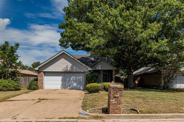 815 CORNFIELD Drive, Arlington, TX 76017 - #: 14421409