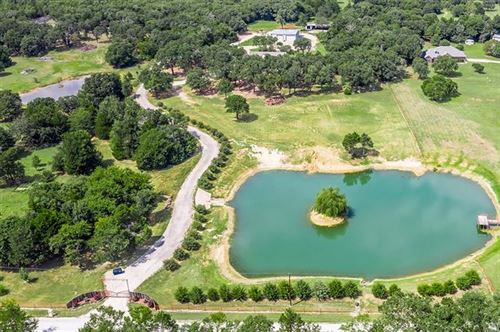 Photo of 941 County Road 286, Collinsville, TX 76233 (MLS # 14414410)