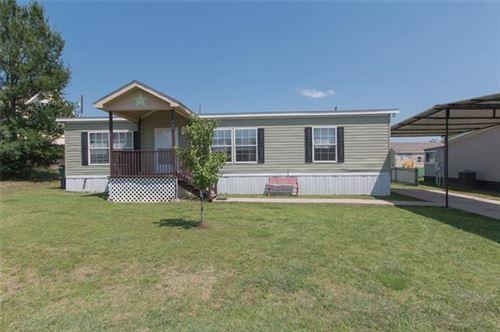 Photo of 202 Shady Springs Drive, Runaway Bay, TX 76426 (MLS # 14568429)