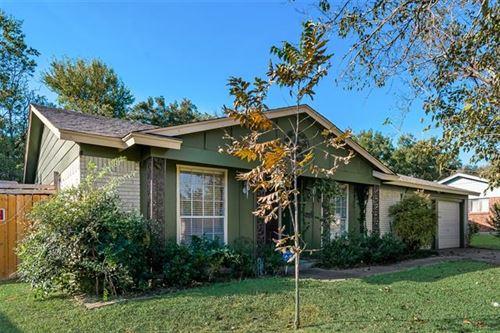 Photo of 1708 Galahad Lane, Arlington, TX 76014 (MLS # 14697429)